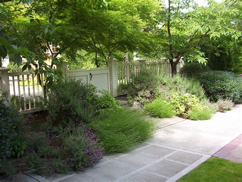 Free Backyard Landscaping Ideas 12 Inspiring Ideas For A Lawn Free Landscape Porch Advice