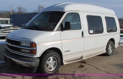 how cars run 2002 chevrolet express 2500 lane departure warning vehicles and equipment auction in topeka kansas by purple wave auction