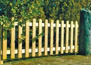 cloture en bois pour jardin pas cher cl 244 ture de jardin pas ch 232 re originale et design