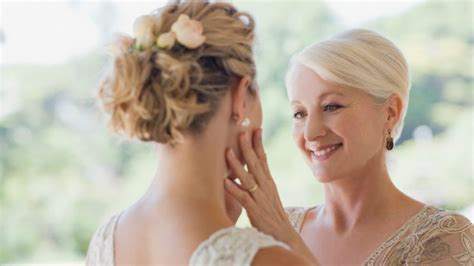 45 year old mother of the bride hairstyles red carpet beauty tips for the mother of the bride