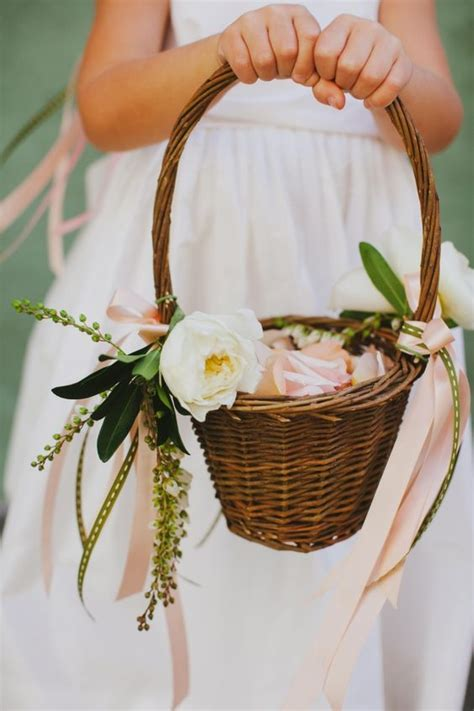 Wedding Baskets by 26 Easy Ways To Use Baskets At Your Wedding Weddingomania