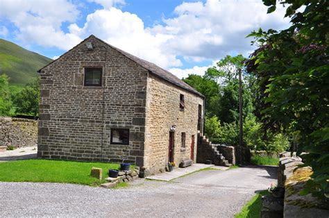 Cottages In Edale by Bunkhouse And Cottages In Edale Derbyshire