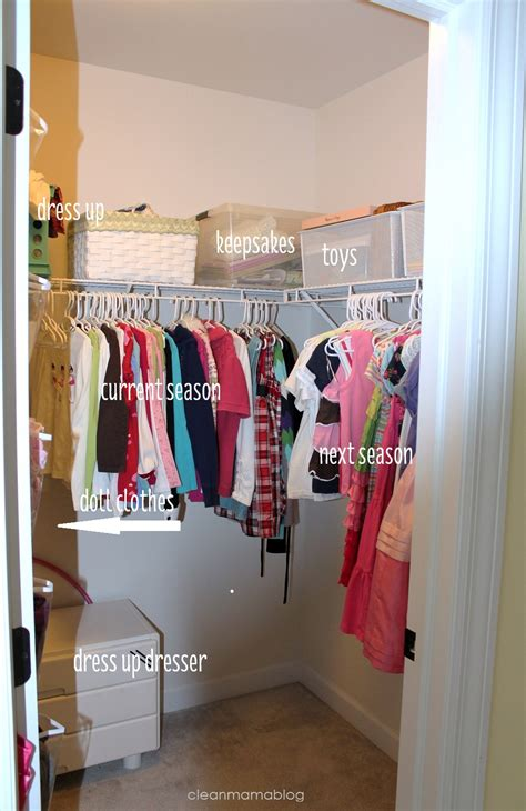 clean your closet spring cleaning my closets the spring cleaning challenge