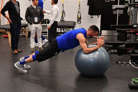 ab exercises  ball  build ripped abs