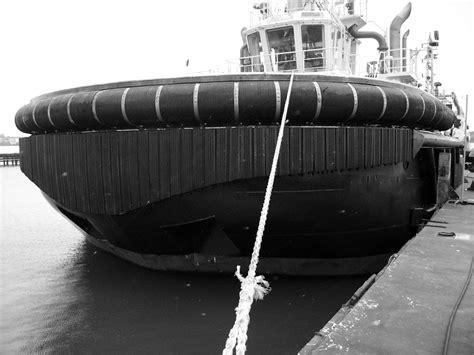 tugboat fenders psg marine tug cylindricals portsuppliers group