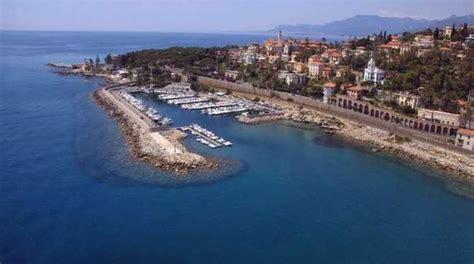 porto di bordighera porto di bordighera verr 224 istallato un nuovo pontile