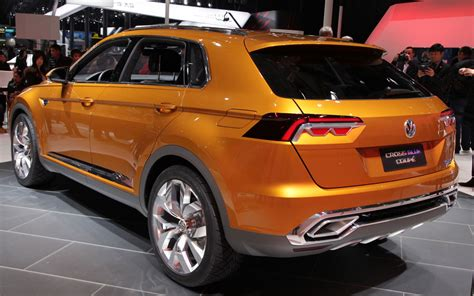 volkswagen crossblue coupe volkswagen crossblue coupe concept first look motor trend