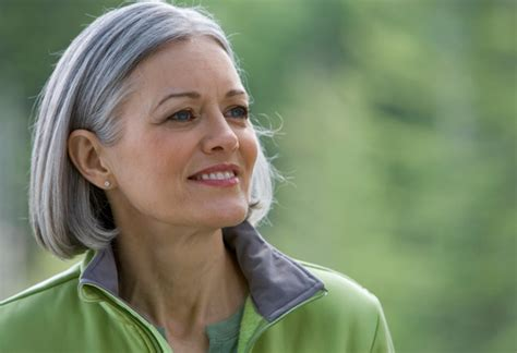 62 year old women how to stop coloring hair and go grey how to embrace gray hair stop dyeing your hair