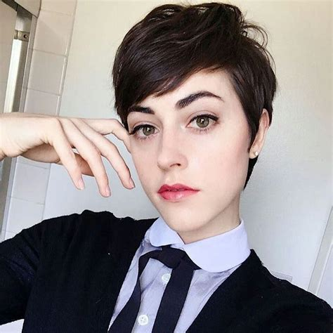 woman short hair cut with a defined point in the back best 20 dark pixie cut ideas on pinterest define pixie