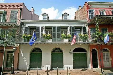 Brad Angelinas New Orleans Home by Brad Pitt And S New Orleans Home Sells For