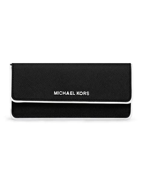 New Mk Specchio Set Wallet michael kors michael jet set travel specchio flat wallet in black lyst