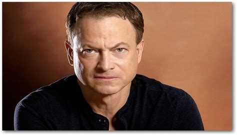 csi actor gary sinise actor gary sinise to receive military honor