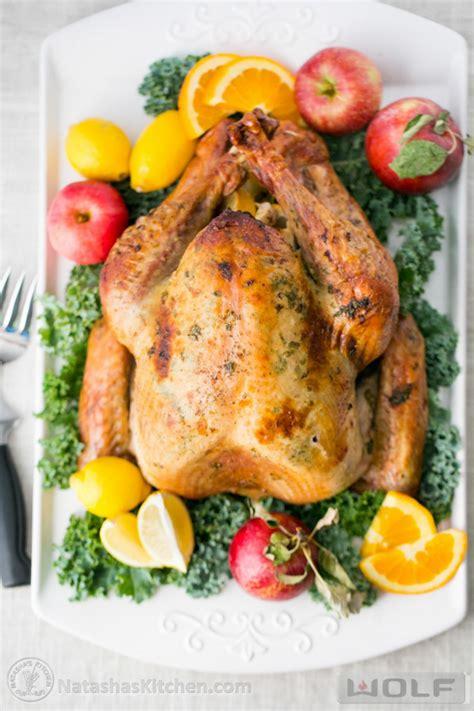 delicious juicy roast turkey recipe allfreeholidaycrafts com