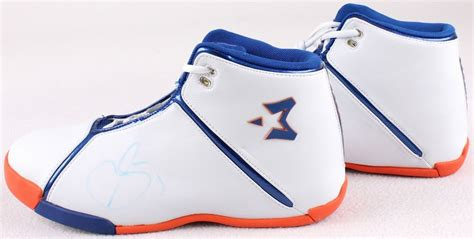 starbury one basketball shoes stephon marbury signed new pair of starbury basketball