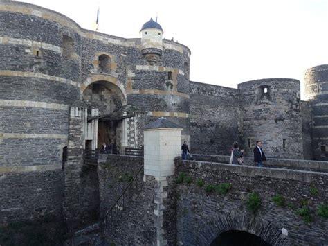 Chateau D Angers Tapisserie by Chateau D Angers Photo De Le Ch 226 Teau D Angers Et La