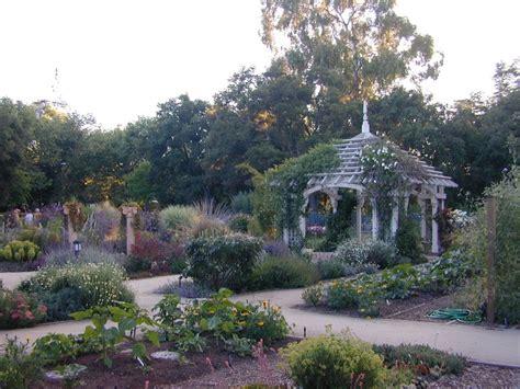 the elizabeth f gamble garden nonprofit in palo alto ca