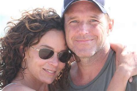 clark gregg married jennifer gray jennifer grey and clark gregg married since 2001