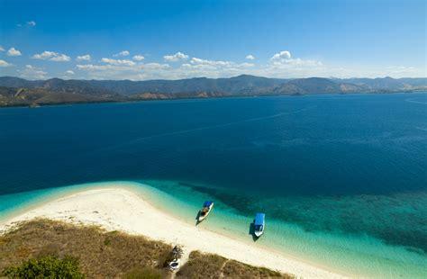 Blogger Wisata Indonesia | 10 destinasi wisata indonesia terbaik yang wajib dikunjungi
