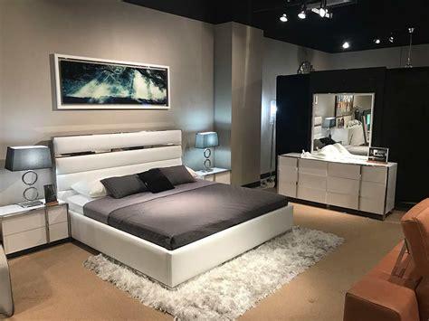 white leatherette headboard bedroom set vg bianca modern