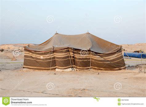 tende beduini tenda beduina nel deserto fotografie stock libere da
