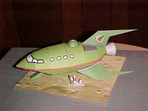 Futurama Papercraft - planet express ship po archives