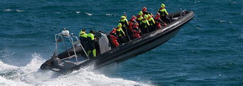 speedboot fahren rhein speedboot fahren ab 39 rennboot erlebnis mydays