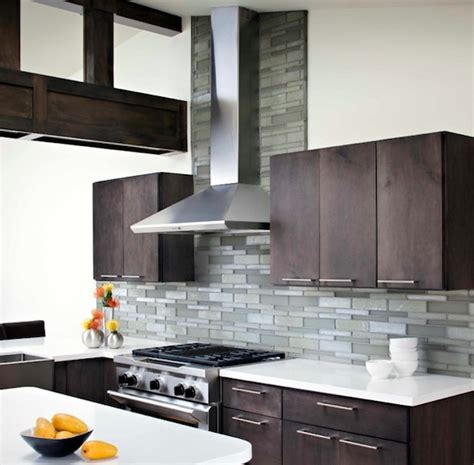 How To Choose Kitchen Backsplash Choosing A Kitchen Backsplash To Fit Your Design Style Interior Design Ideas