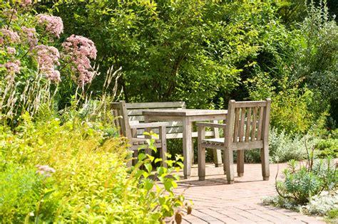 Sitzplatzgestaltung Garten by Mu 223 E Zwischen Staudenpracht Gartenzauber