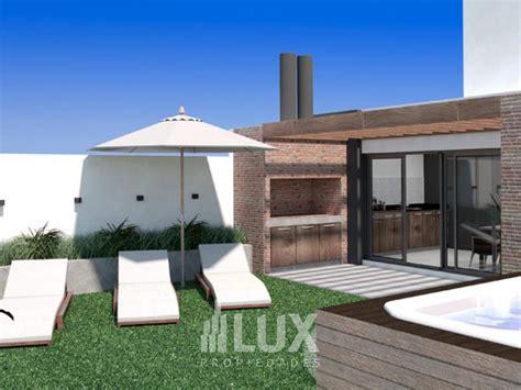 piso exclusivo en venta  vista al rio en construccion  dormitorios  patio barrio