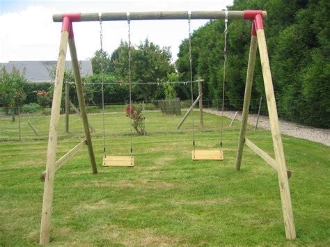 balancoire de jardin balancoires gamme bois fournisseur en produits d am 233 nagement paysager