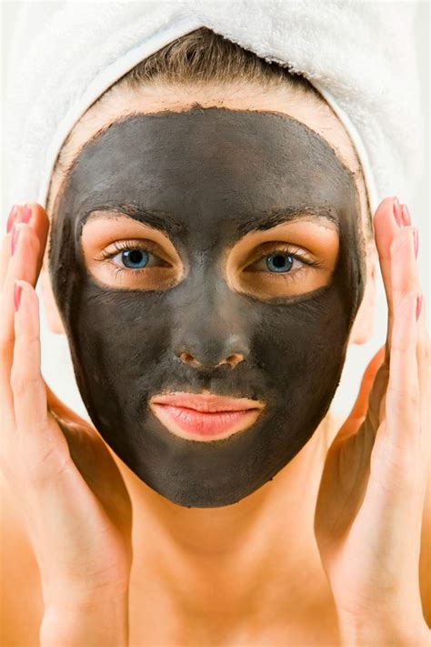 Masks For Greasy Skin by Diy Mud Mask For Acne Prone And Skin