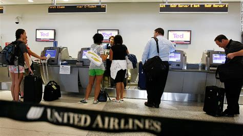 united checked bag united offers subscriptions for baggage fees legroom