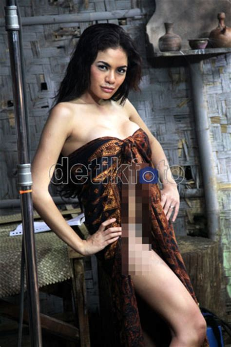 film indonesia hot nikita mirzani nikita mirzani hot download foto gambar wallpaper