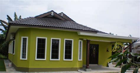 warna cat rumah kayu  cantik desain rumah