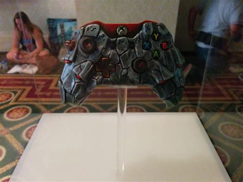 ark survival spray painted xbox one sdcc 14 the xbox one wireless controller artist