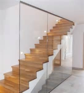 treppen aus glas die besten 17 ideen zu glasgel 228 nder auf treppe