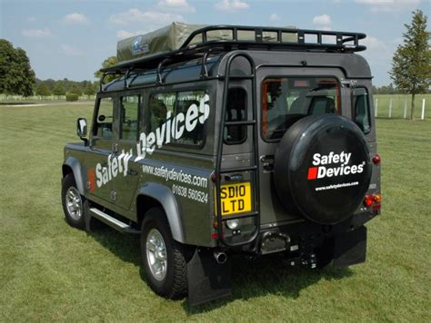 Safety Devices Roof Rack by Roof Rack Safety Devices Explorer Defender 110 Rrl2320lrc Rovers Classic Land Rover