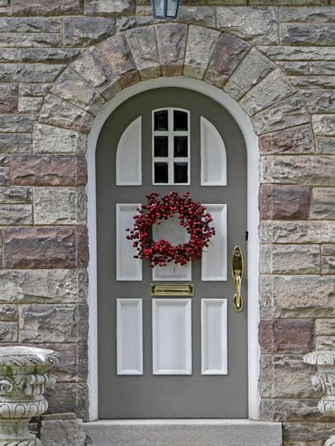 installing   front door read