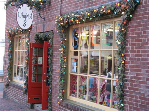 why not shop closing in old town alexandria red brick town
