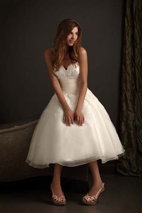 Wedding Dresses for Short Women Images   Styles of Wedding