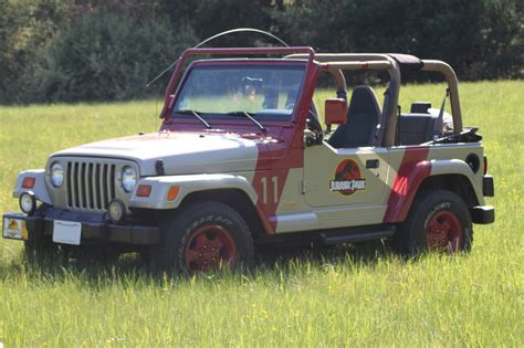 Jurassic Jeep Jurassic Park Jeep Pic By Chicagocubsfan24 On Deviantart