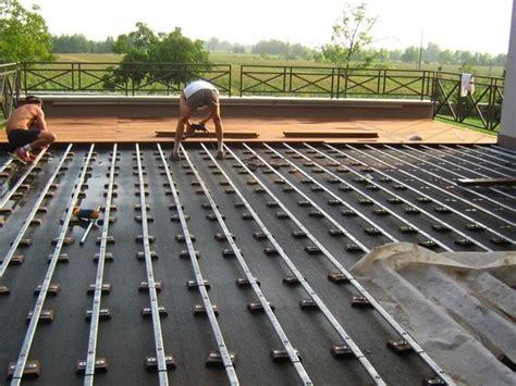 terrazzi in legno per esterni posare parquet esterni il parquet come installare