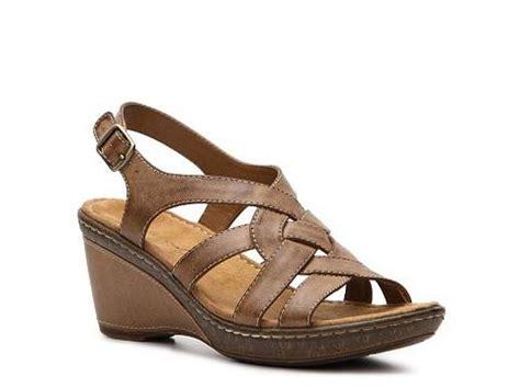 dsw comfort sandals pin by janelle jarboe mercer on shoe lurv pinterest