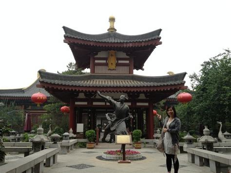 tang dynasty garden hotel statue at yard picture of tang dynasty garden hotel