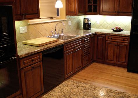 Kitchen Countertops And Cabinet Combinations Backsplashes And Cabinets Beautiful Combinations Spice Up My Kitchen Hgtv