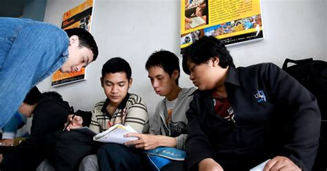 desain database perbankan institut informatika indonesia ikado s1 sistem informasi