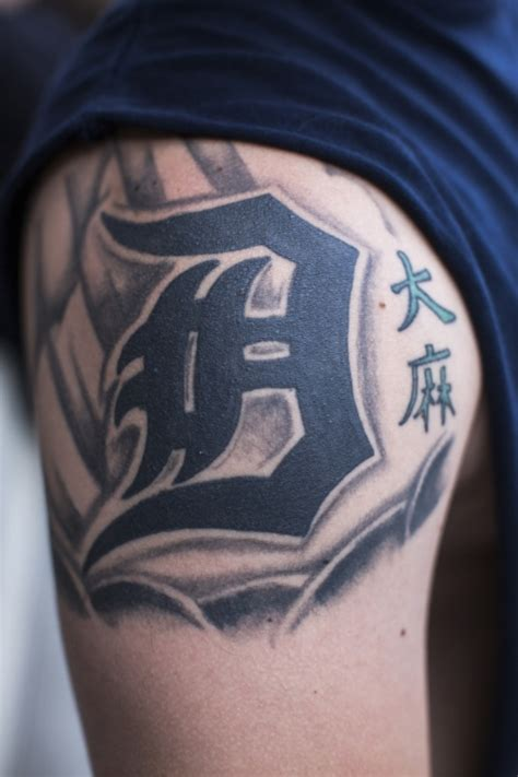 detroit tattoo designs detroit tigers tattoos pictures to pin on