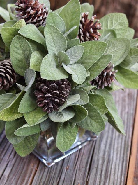 centerpieces with pine cones beautiful bridal pinecone wedding centerpieces