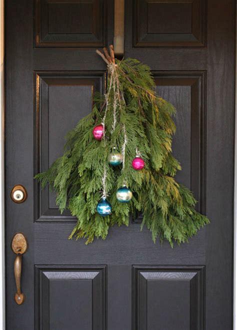 top  holiday wreaths  decorate  front door