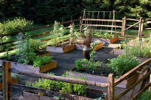 Backyard Vegetable Garden Layout 38 Homes That Turned Their Front Lawns Into Beautiful Vegetable Gardens